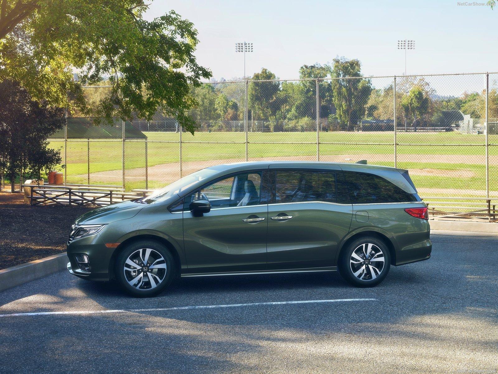 Honda Odyssey 2017 модельного года: комплектации, цены и характеристики
