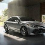 Toyota Camry 2018 — комплектации, цены и фото
