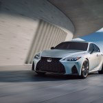 Еще одна новинка от Lexus полностью рассекречена. Новый IS 2021 показался на официальном видео